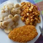 Roerbak witlof banaan met Airfried aardappelblokjes en Kipschnitzel ala Inez Jansen